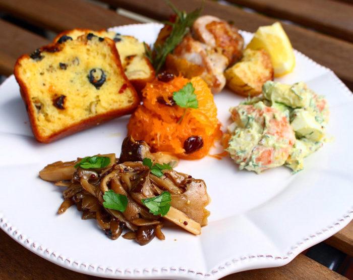 【レシピ 】エビとアボカド、卵のデリ風サラダ