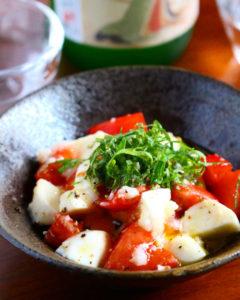 【レシピ 】トマトとモッツァレラチーズの 塩麹カプレーゼ