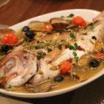 お店の味♫ 丸ごと1尾!鯛のアクアパッツァ【休日レシピ】