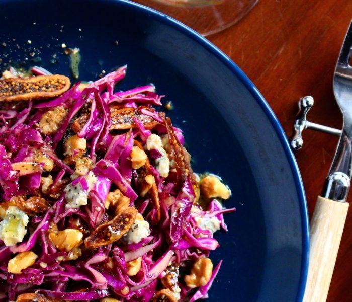 【簡単時短レシピ】デリ風<br> 紫キャベツとブルーチーズ、くるみのサラダ